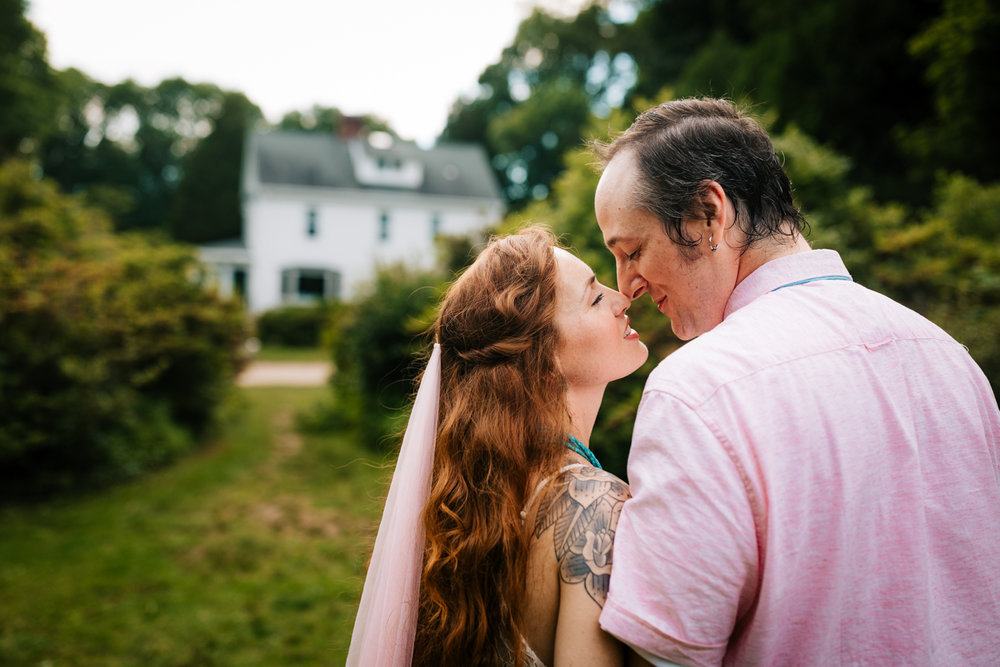 adventurous-kinney-azalea-garden-photographer-north-kingstown-rhode-island-intimate-wedding-fun-elopement-andrea-van-orsouw-photograpy.jpg