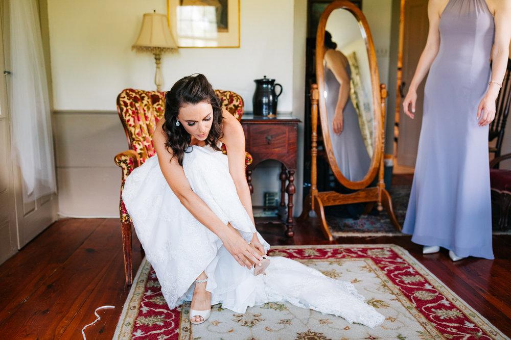 15. andrea-van-orsouw-photography-natural-fun-adventurous-salem-cross-inn-wedding-boston-massachusetts-photographer.jpg
