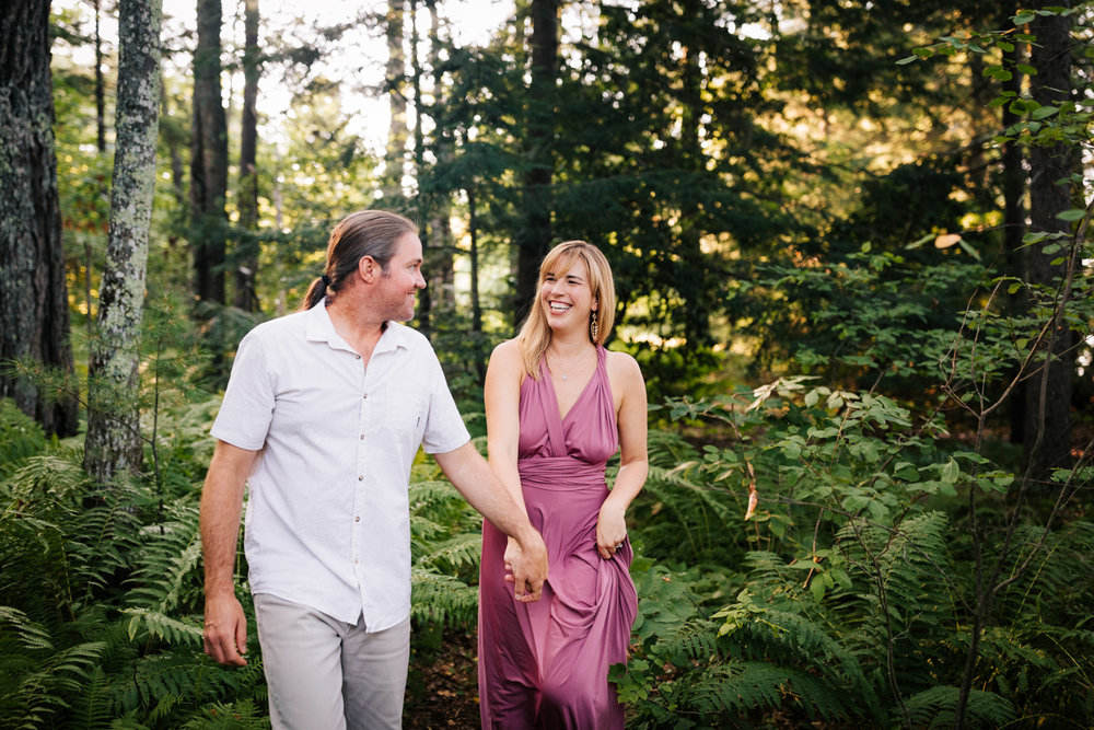 andrea-van-orsouw-photography-fun-dublin-new-hampshire-adventurous-photographer-woodsy-natural-engagement.jpg