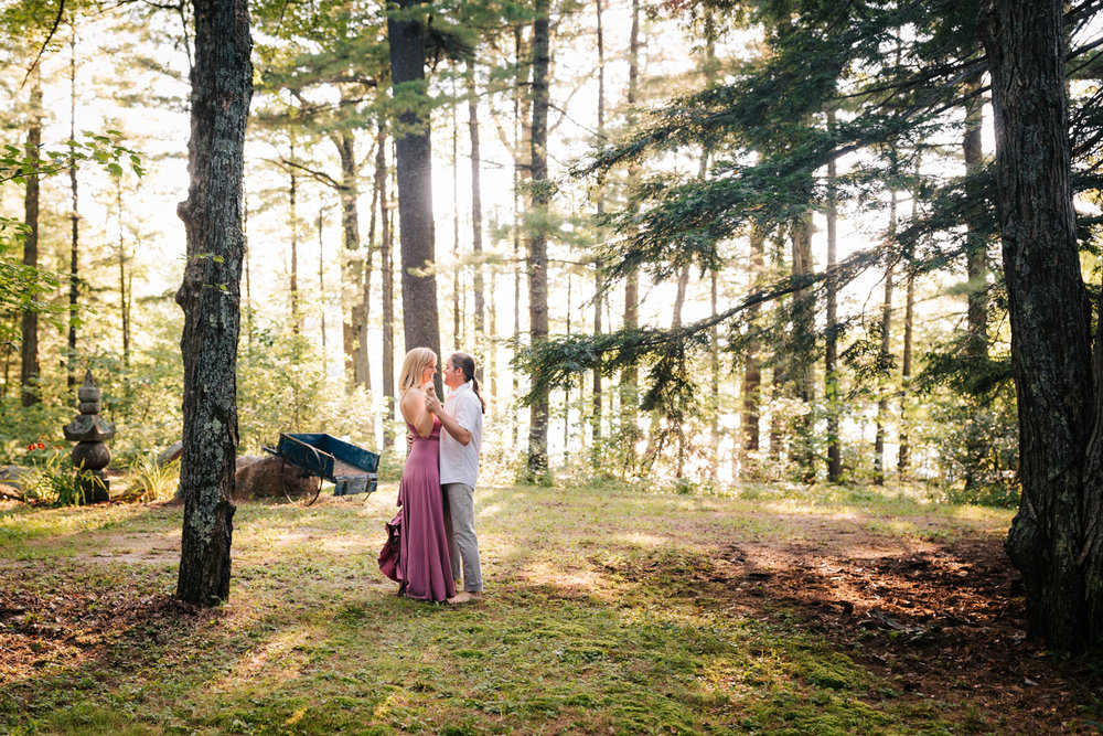 dublin-new-hampshire-woodsy-engagement-adventurous-natural-fun-andrea-van-orsouw-photography-photographer.jpg