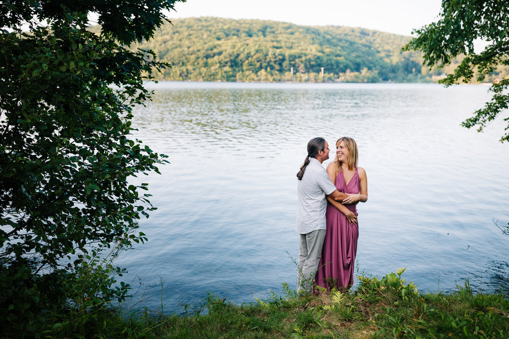 fun-engagement-photographer-new-hampshire-andrea-van-orsouw-photography-dublin-adventure-natural-woodsy.jpg