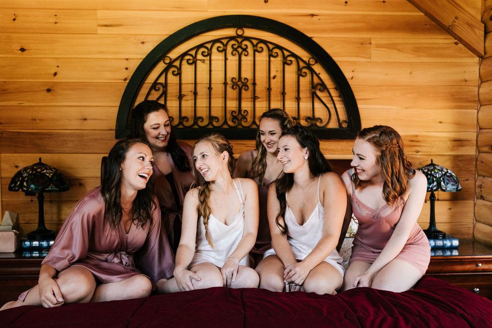 6. wedding-salem-cross-inn-fun-boston-adventurous-wedding-andrea-van-orsouw-photography-.jpg