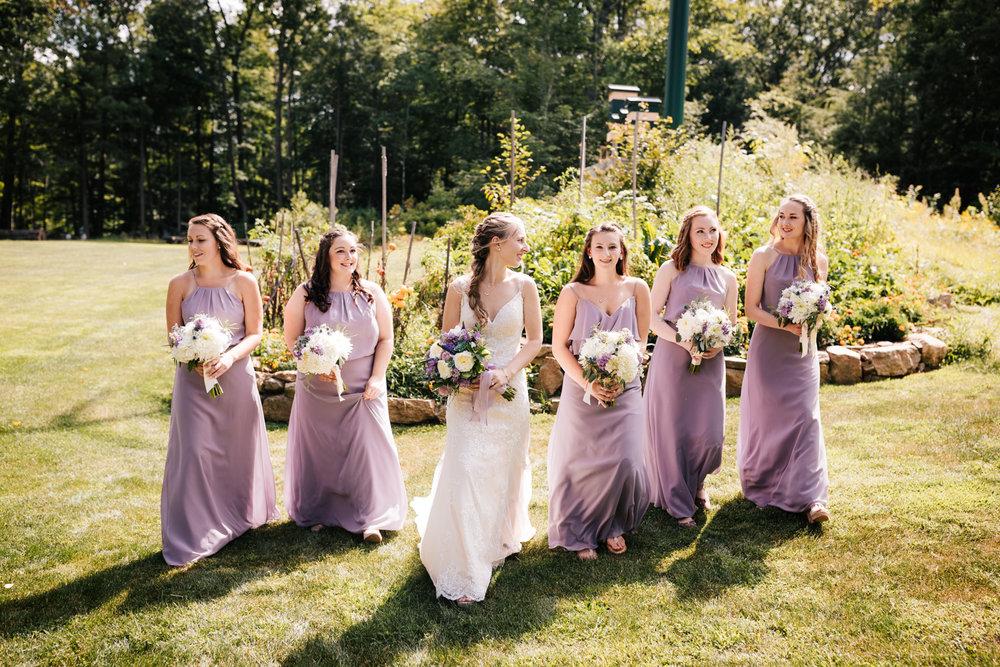 16 adventurous-fun-natural-wedding-photographer-salem-cross-inn-boston-massachusetts-andrea-van-orsouw-photography.jpg