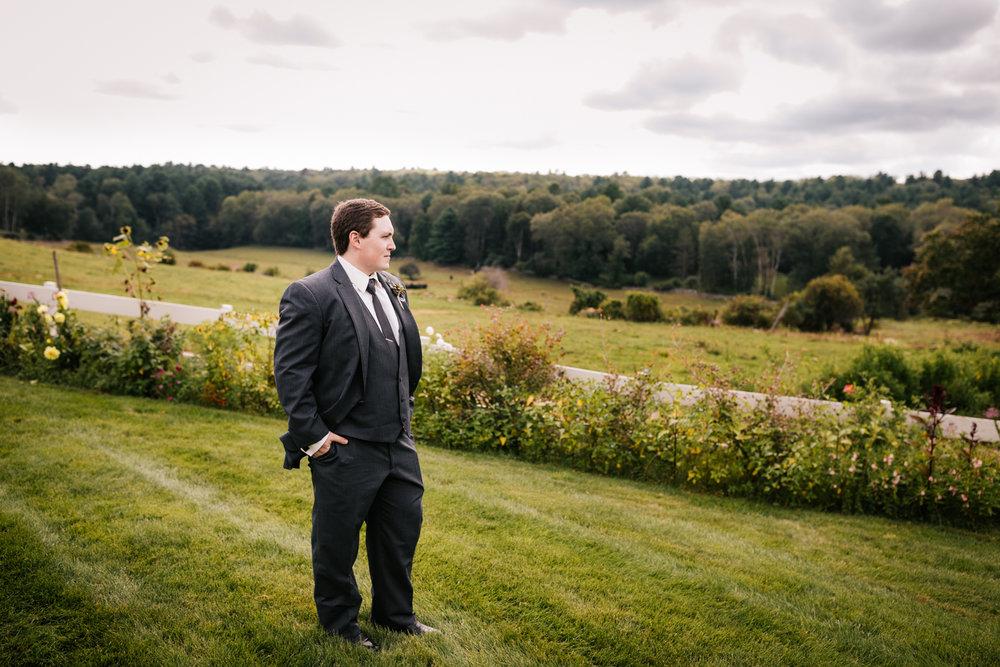 20 adventurous-fun-natural-wedding-photographer-salem-cross-inn-boston-massachusetts-andrea-van-orsouw-photography.jpg