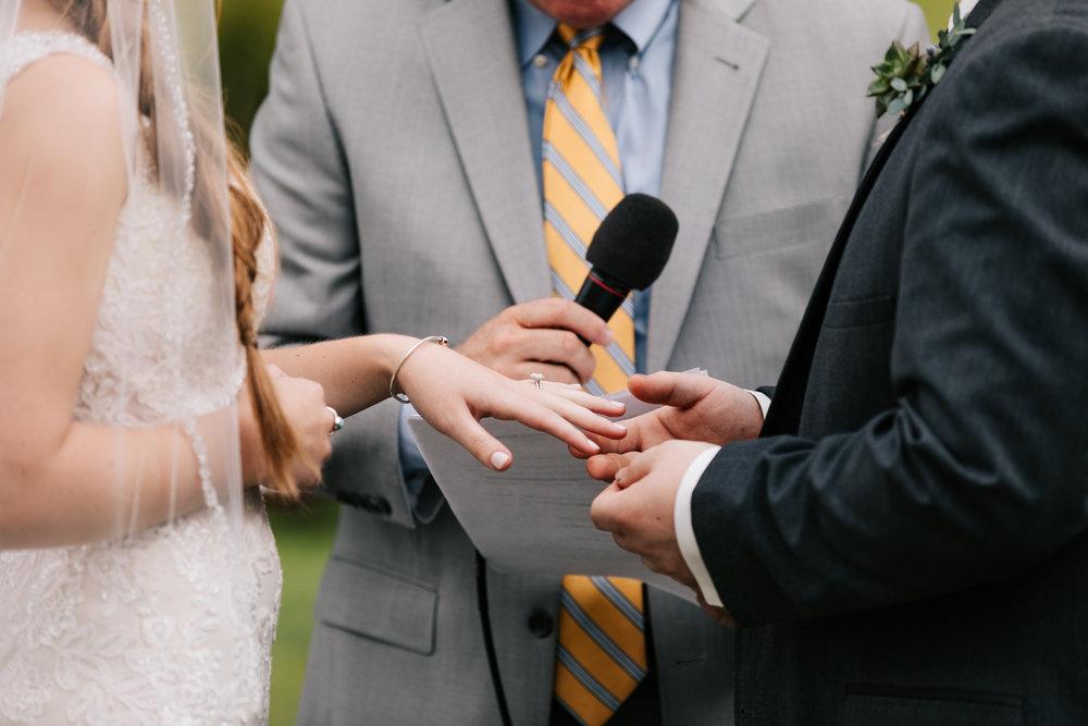 32 adventurous-fun-natural-wedding-photographer-salem-cross-inn-boston-massachusetts-andrea-van-orsouw-photography.jpg