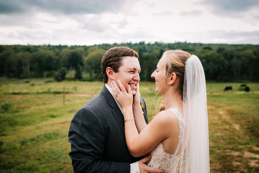 48 adventurous-fun-natural-wedding-photographer-salem-cross-inn-boston-massachusetts-andrea-van-orsouw-photography.jpg