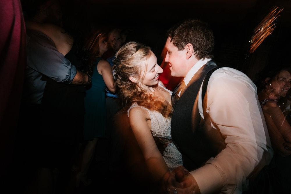 72 adventurous-fun-natural-wedding-photographer-salem-cross-inn-boston-massachusetts-andrea-van-orsouw-photography.jpg