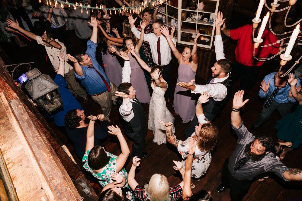 73 adventurous-fun-natural-wedding-photographer-salem-cross-inn-boston-massachusetts-andrea-van-orsouw-photography.jpg