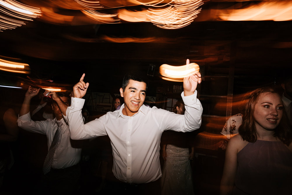 76 adventurous-fun-natural-wedding-photographer-salem-cross-inn-boston-massachusetts-andrea-van-orsouw-photography.jpg