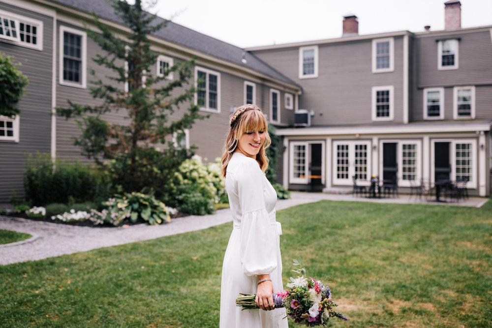 1. dublin-new-hampshire-indie-adventurous-photographer-andrea-van-orsouw-photography-fun-natural-wedding-10.jpg