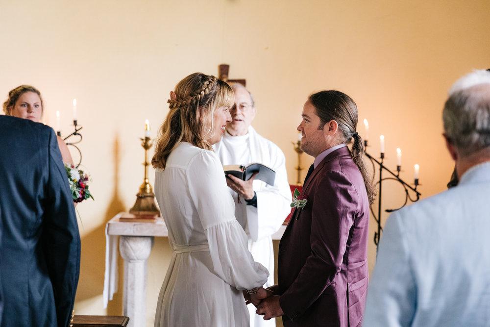 3. indie-wedding-dublin-new-hampshire-fun-natural-photographer-adventurous-andrea-van-orsouw-photography-10.jpg