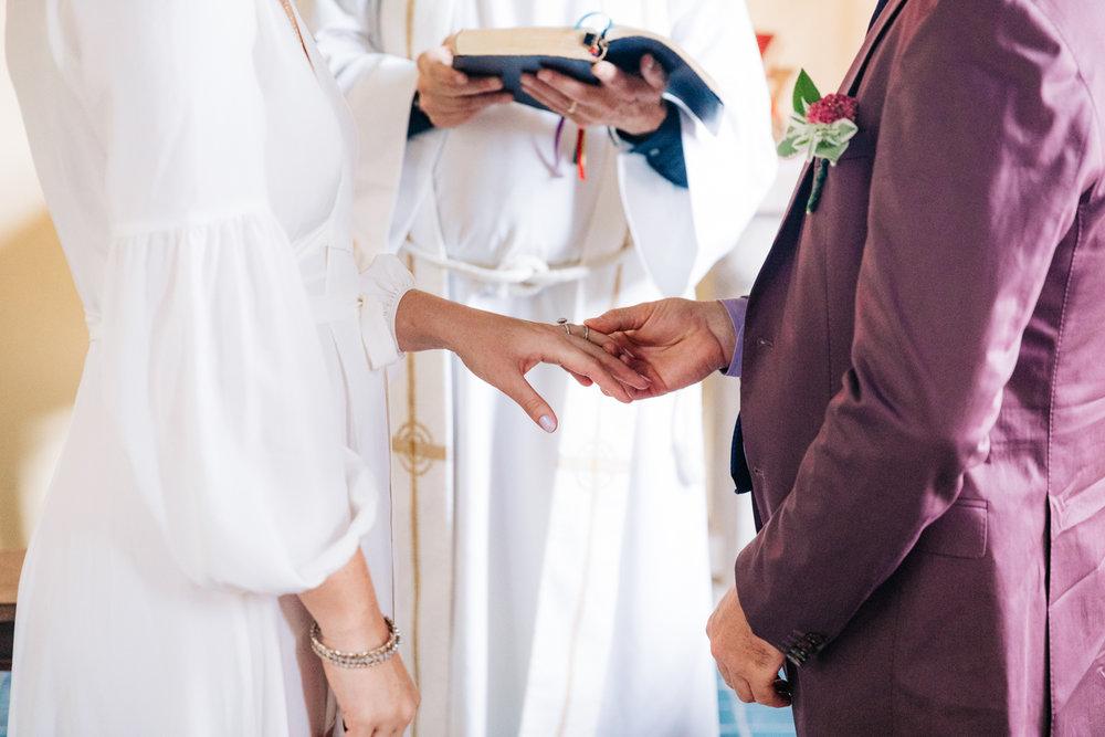 3. indie-wedding-dublin-new-hampshire-fun-natural-photographer-adventurous-andrea-van-orsouw-photography-19.jpg