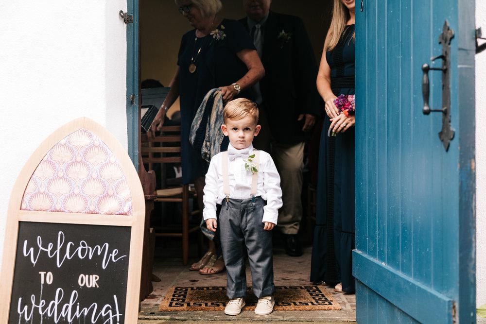 3. indie-wedding-dublin-new-hampshire-fun-natural-photographer-adventurous-andrea-van-orsouw-photography-26.jpg