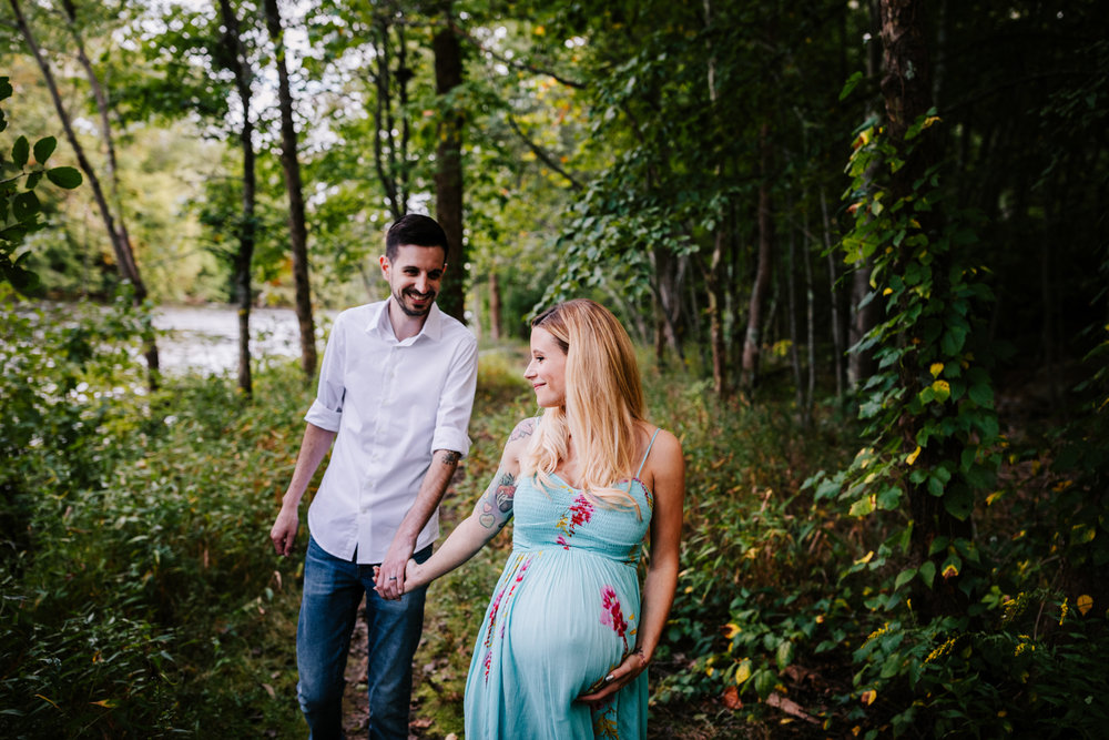 2. andrea-van-orsouw-photography-natural-fun-maternity-photographer-adventurous-blackstone-river-park-rhode-island-3.jpg