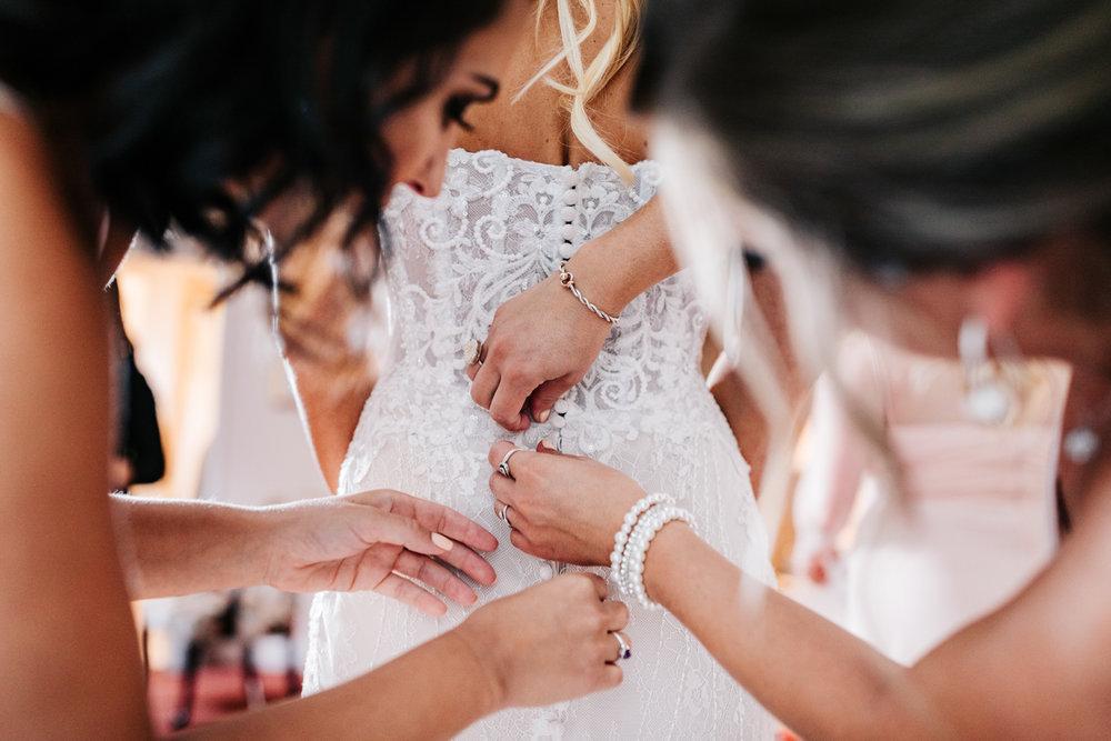 1.albuquerque-el-paso-fun-wedding-photographer-natural-boston-whately-adventurous-photographer-andrea-van-orsouw-photography-13.jpg
