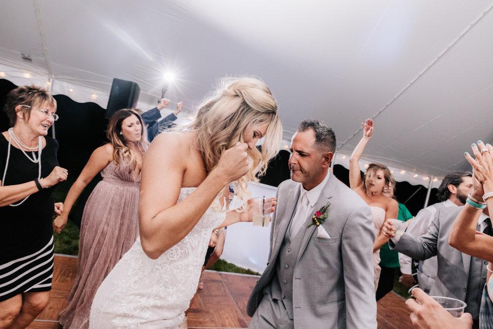 5. whately-massachusetts-fun-wedding-photographer-andrea-van-orsouw-photography-albuquerque-natural-photographer-el-paso-fun-20.jpg