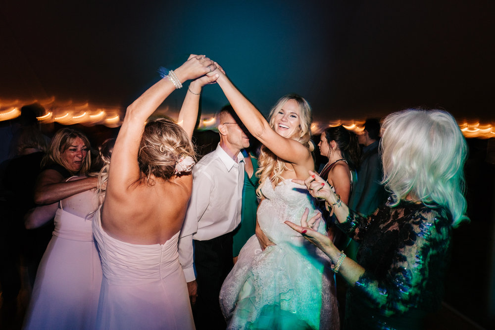 5. whately-massachusetts-fun-wedding-photographer-andrea-van-orsouw-photography-albuquerque-natural-photographer-el-paso-fun-25.jpg