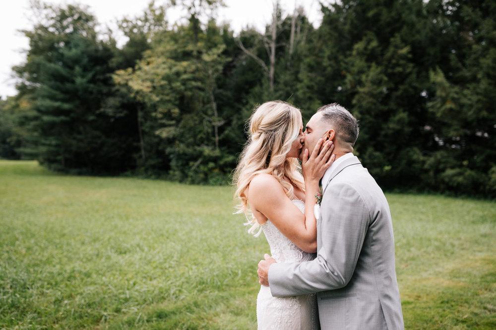 5. whately-massachusetts-fun-wedding-photographer-andrea-van-orsouw-photography-albuquerque-natural-photographer-el-paso-fun-31.jpg