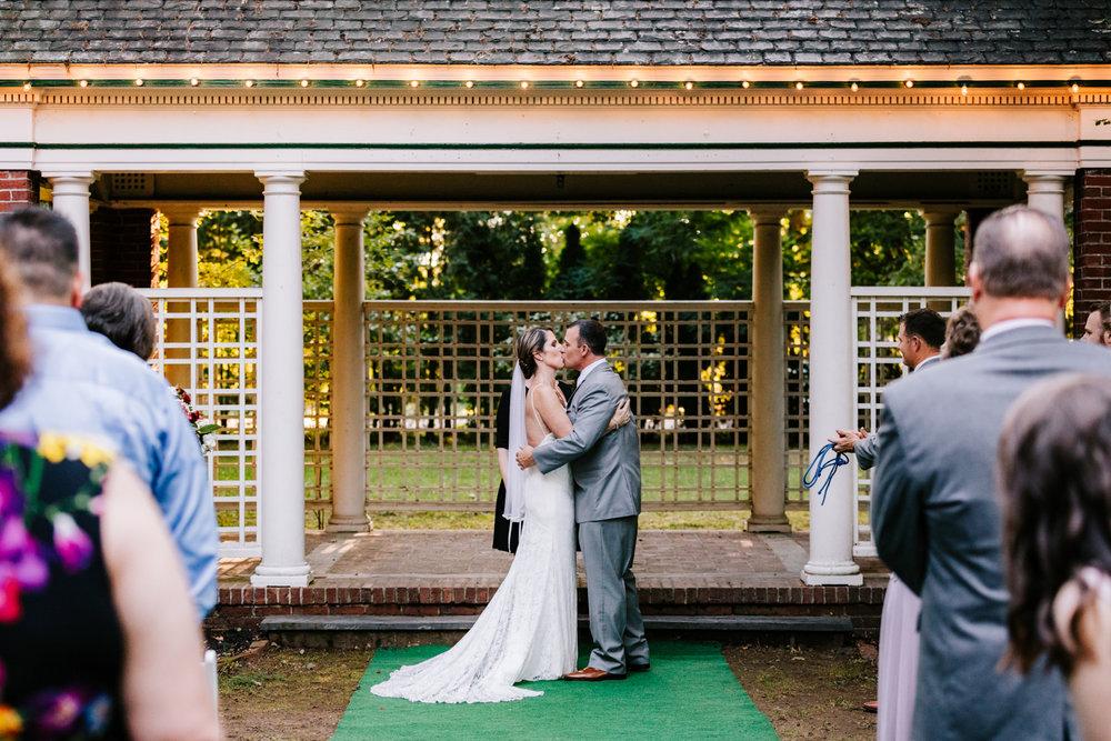 3. new-hampshire-governors-inn-wedding-natural-albuquerque-wedding-photographer-adventurous-andrea-van-orsouw-photography-fun-new-mexico-10.jpg