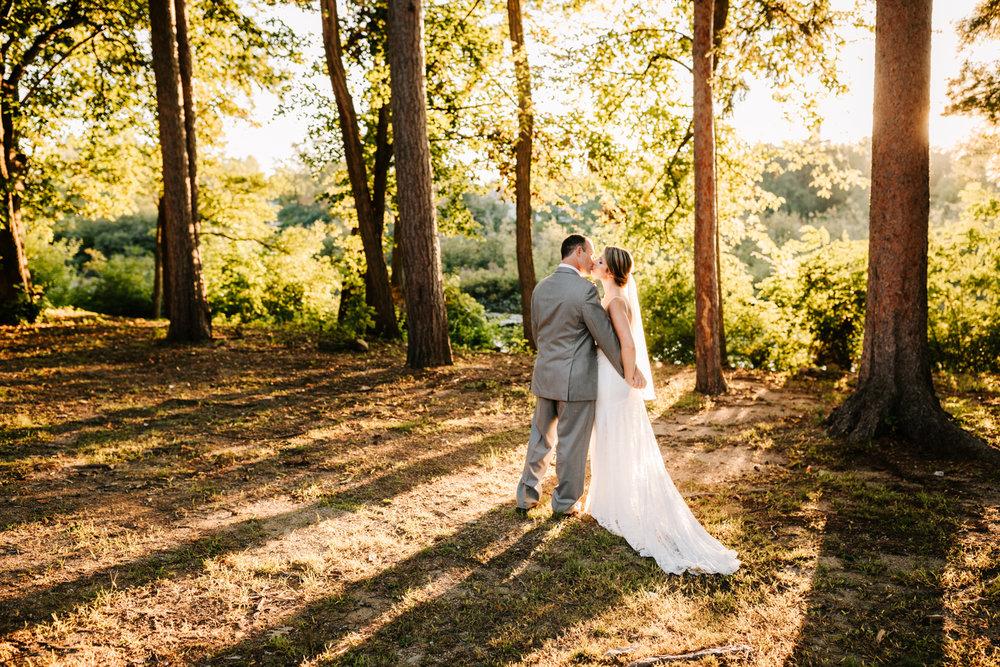 4. new-mexico-new-hampshire-wedding-photographer-andrea-van-orsouw-natural-adventurous-fun-albuquerque-photographer-governors-inn-wedding-8.jpg