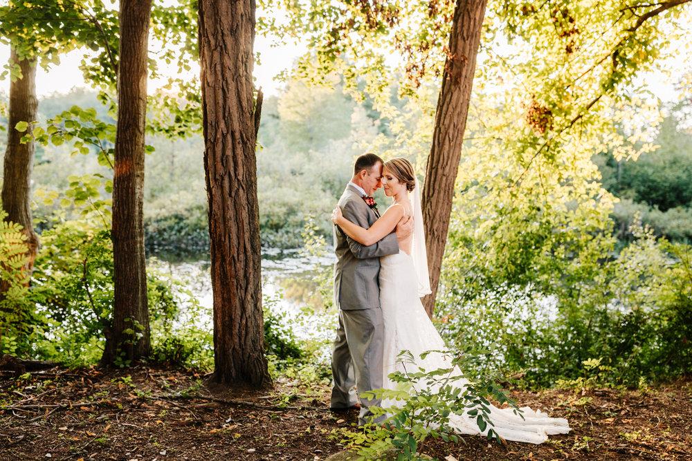 4. new-mexico-new-hampshire-wedding-photographer-andrea-van-orsouw-natural-adventurous-fun-albuquerque-photographer-governors-inn-wedding-10.jpg