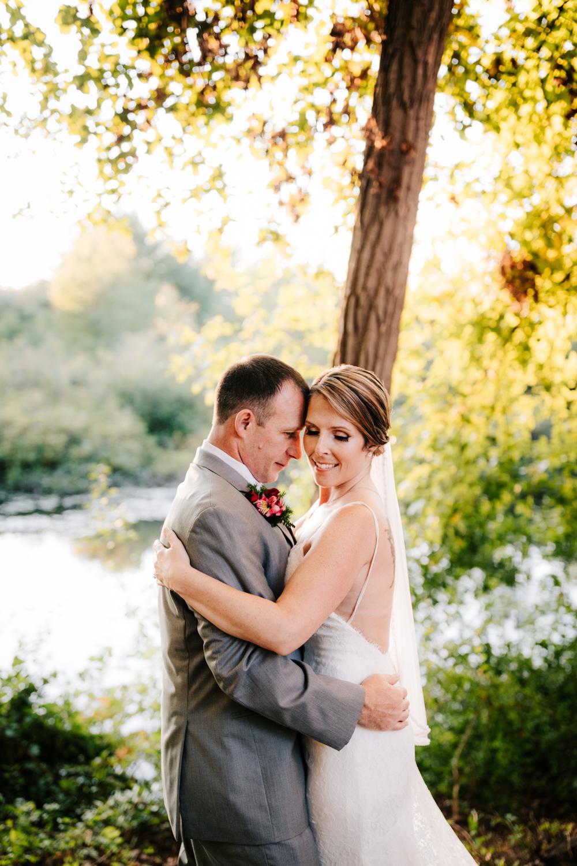 4. new-mexico-new-hampshire-wedding-photographer-andrea-van-orsouw-natural-adventurous-fun-albuquerque-photographer-governors-inn-wedding-11.jpg
