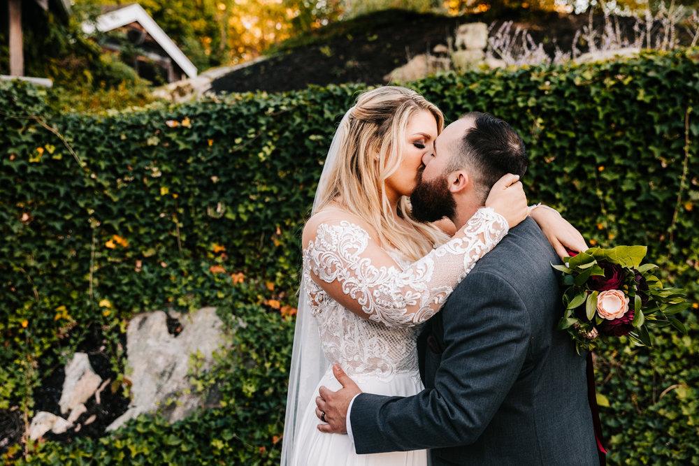 8. adventurous-phoenix-photographer-andrea-van-orsouw-photography-boston-fun-natural-new-mexico-wedding-red-lion-inn-3.jpg