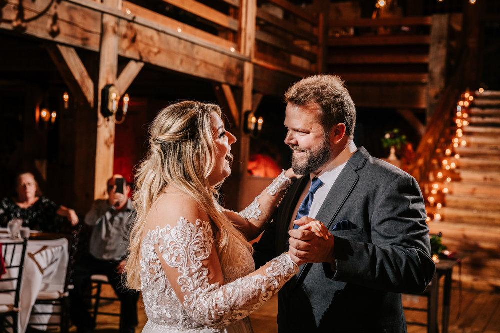 11. fun-albuquerque-boston-adventurous-wedding-photographer-phoenix-andrea-van-orsouw-photography-natural-red-lion-inn-7.jpg