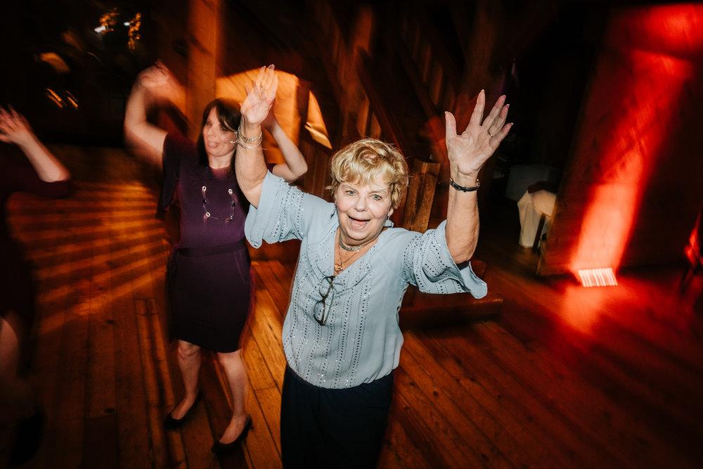 11. fun-albuquerque-boston-adventurous-wedding-photographer-phoenix-andrea-van-orsouw-photography-natural-red-lion-inn-12.jpg