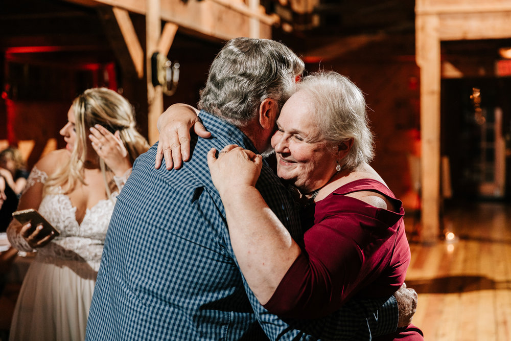 12. natural-wedding-photographer-boston-northeast-andrea-van-orsouw-photography-adventurous-southwest-fun-red-lion-inn-11.jpg