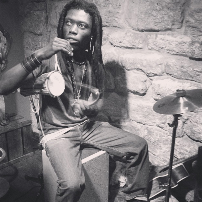 BEUZ THIOMBANE  - Musician