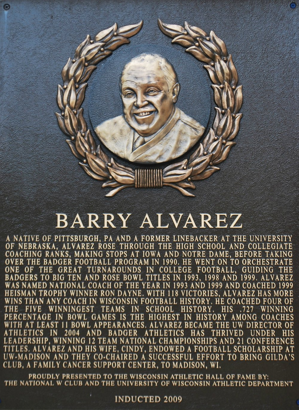 Alvarez Barry.jpg