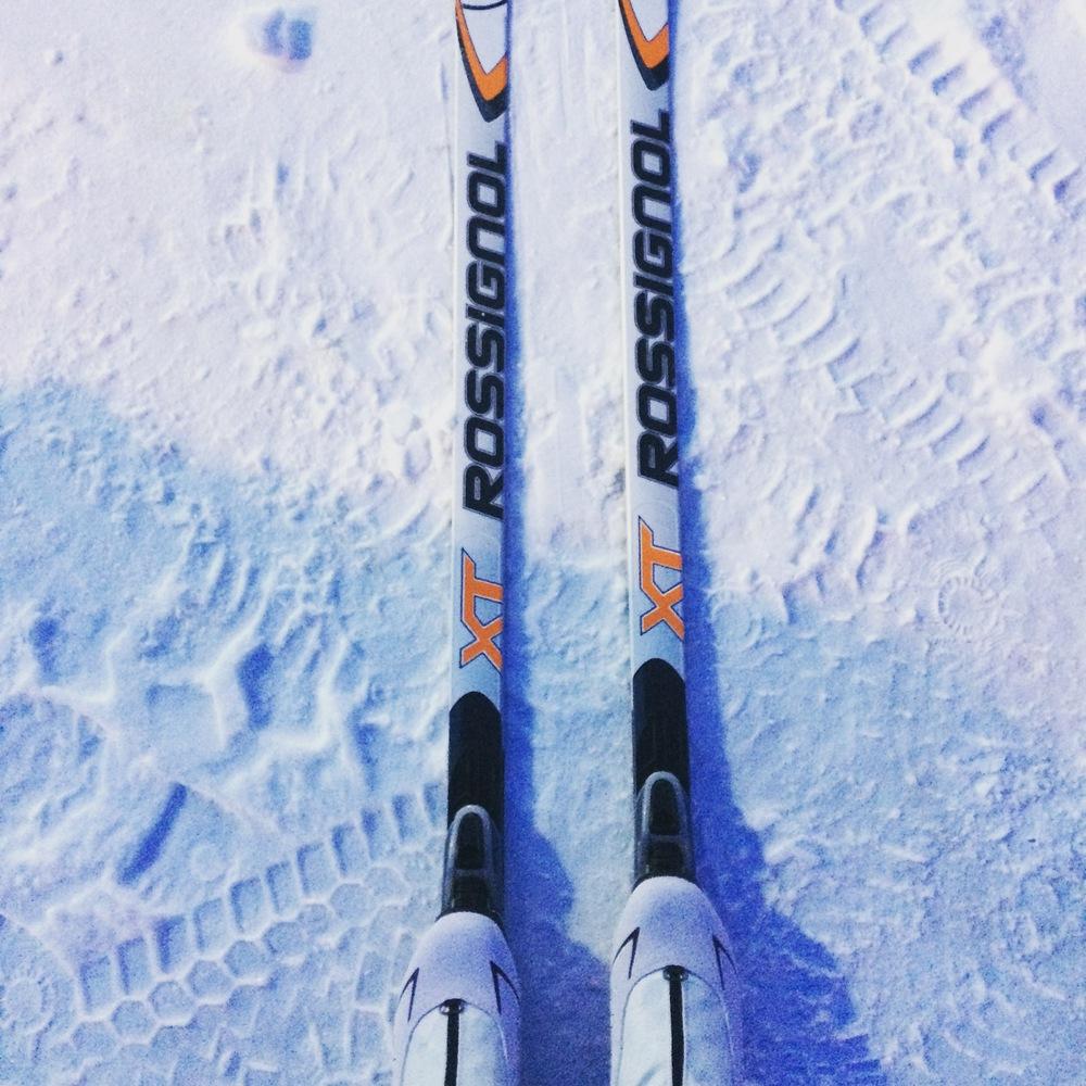 Tätä on monet talvet miettinyt, yksi aamu heräsin, 30min ja olin suksikaupoilla ja nyt jo muutaman kympin hiihtänyt.