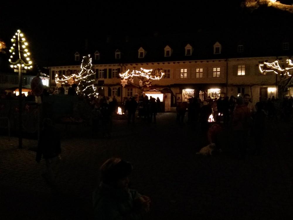 The Blumenplatz during Abendverkauf & Weihnachtsraße
