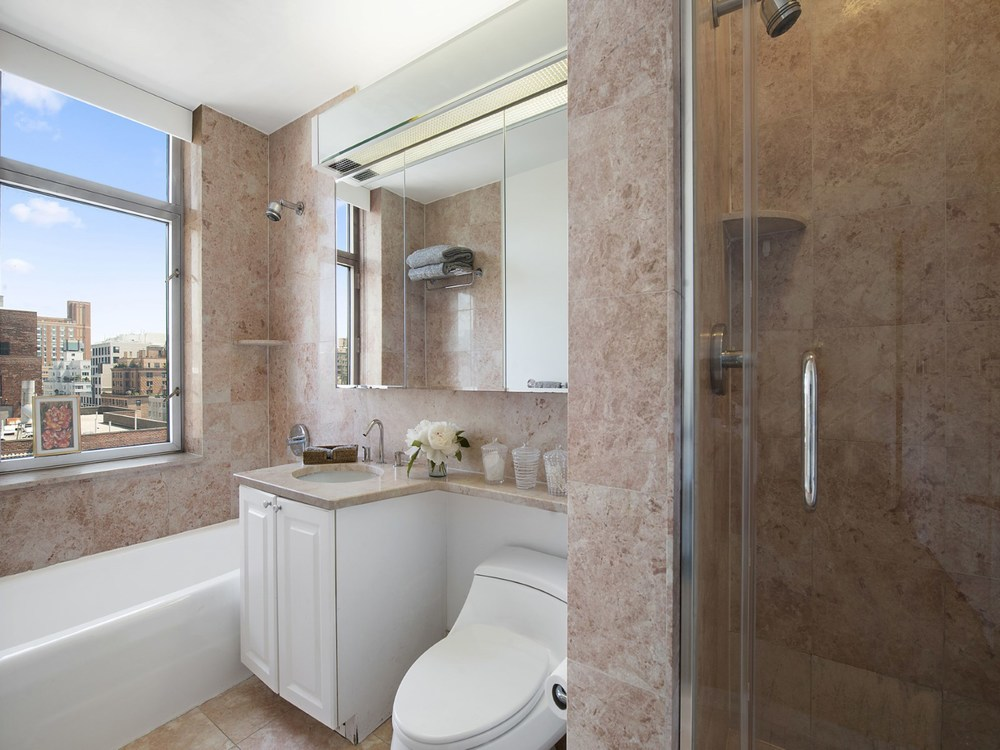 188 East 76th St 18B8.jpg