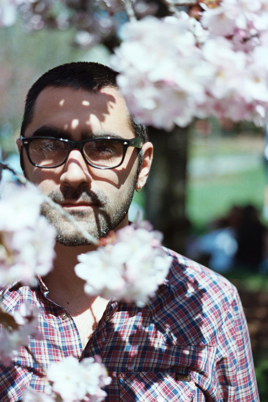 Dan_flowers.jpg