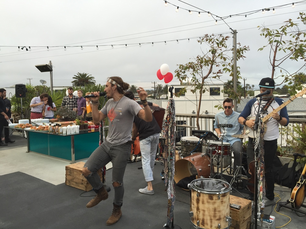 Magic giant at general assembly rooftop party, venice, ca
