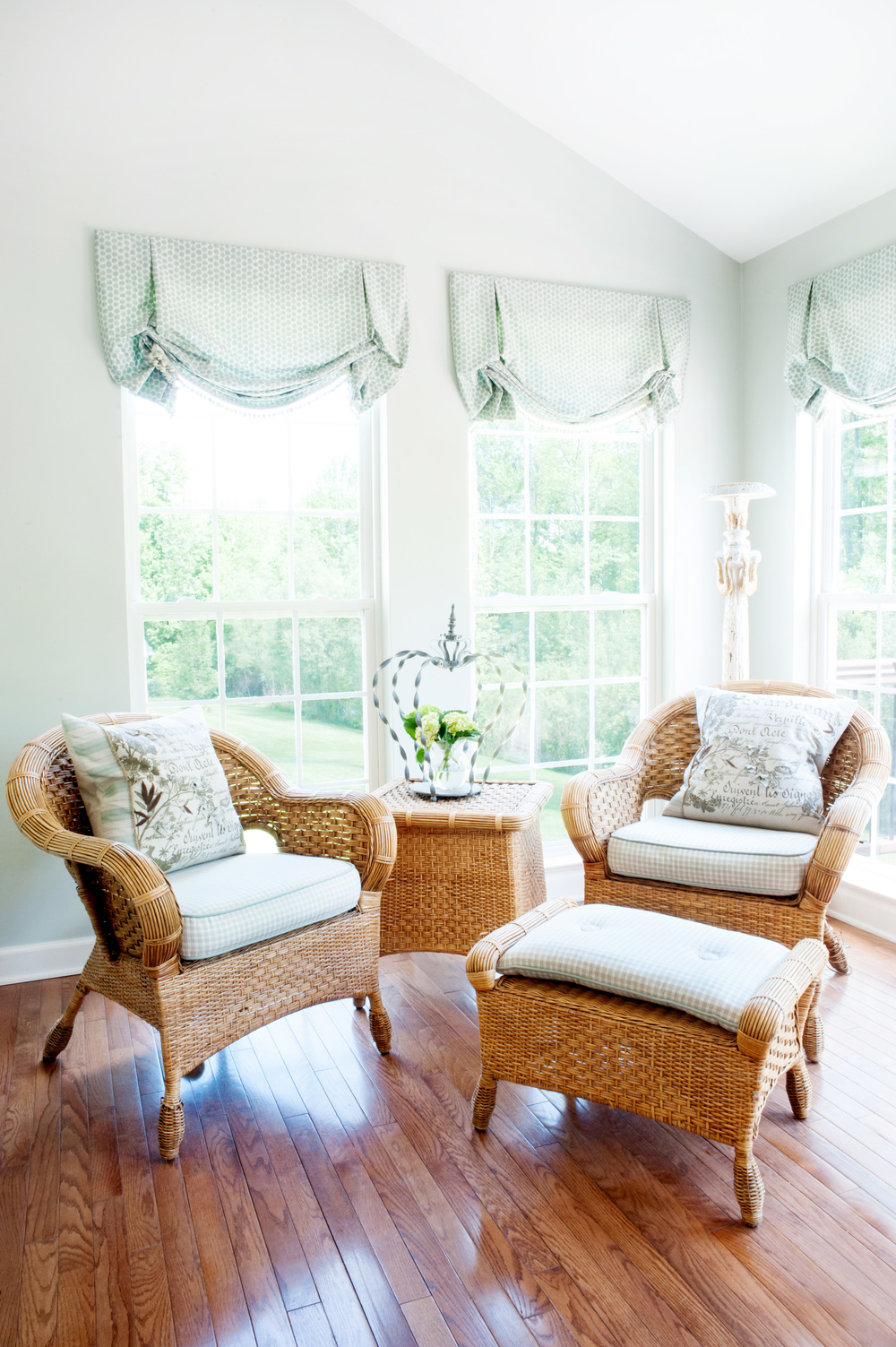 window_treatments_and_wicker_furniture