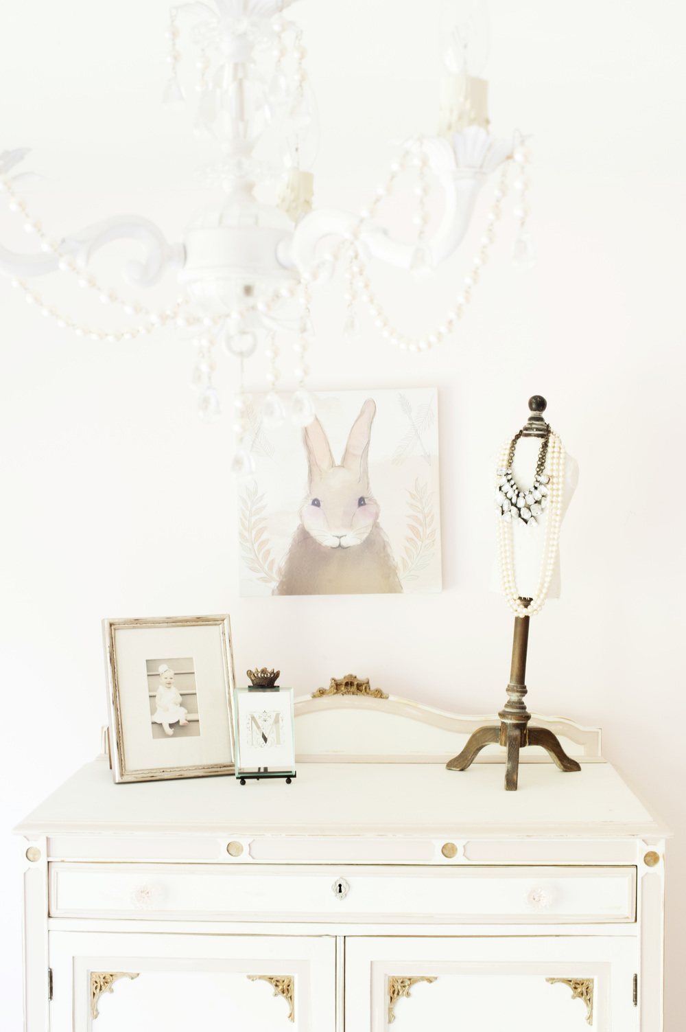 timeless_white_dresser_with_decor