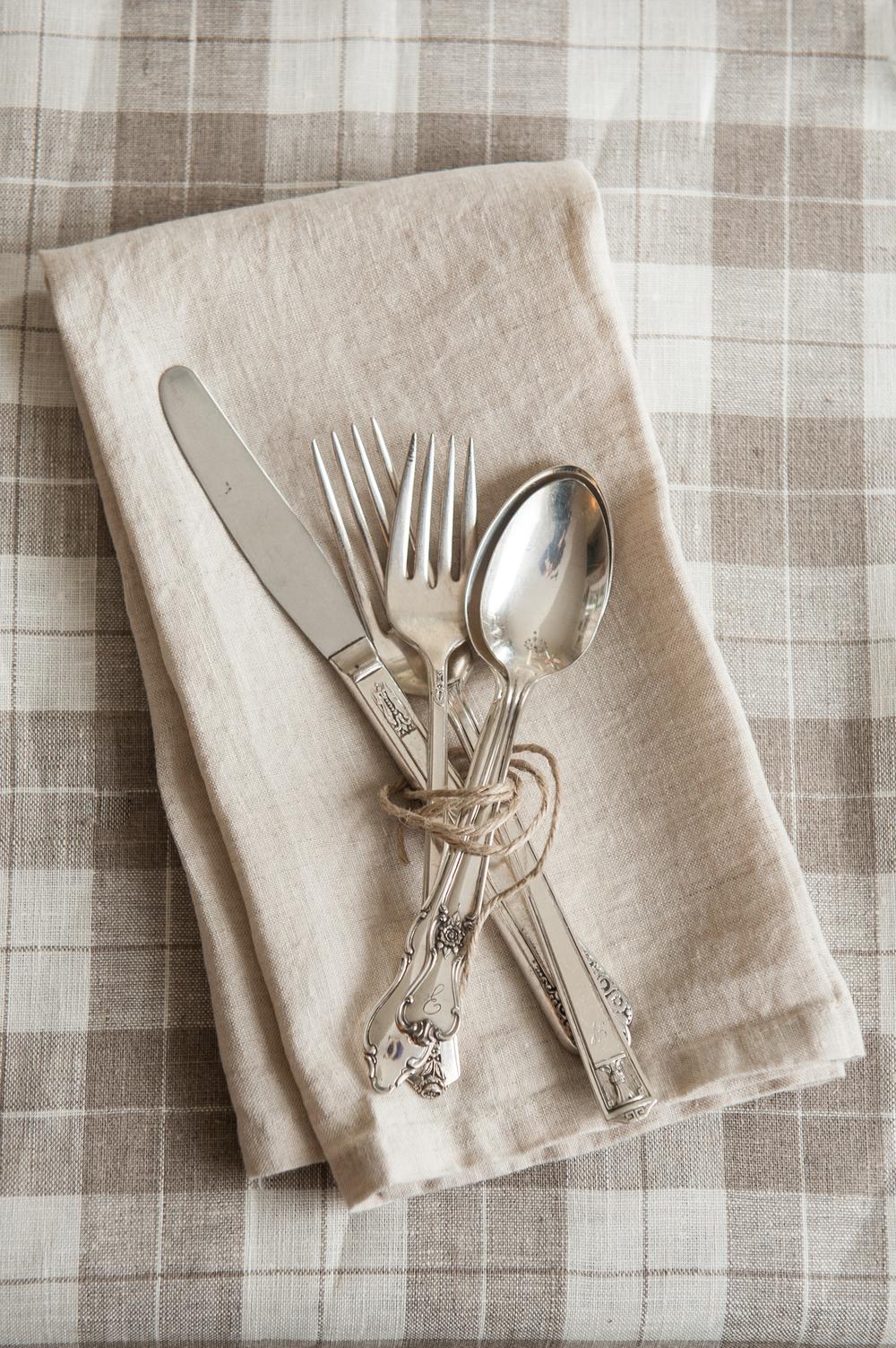 silverware_with_linen_napkin