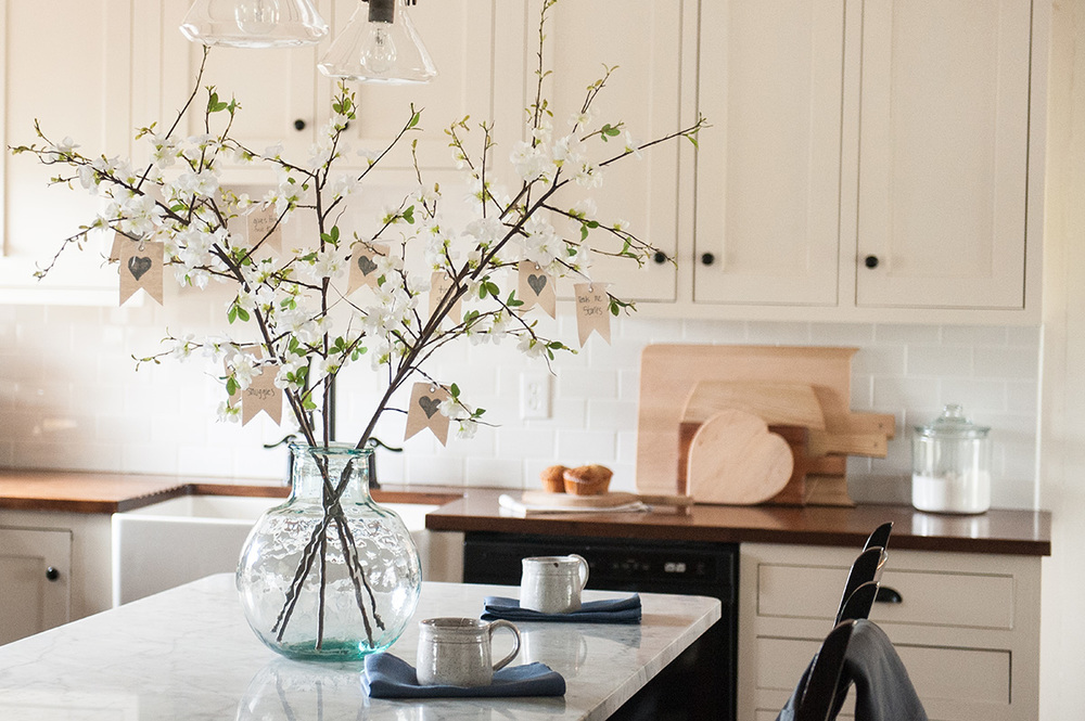 kitchen_floral_arrangement