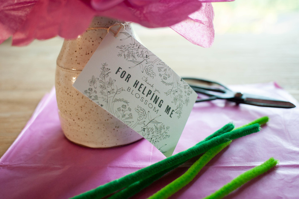 paper_flower_with_vase_and_tag
