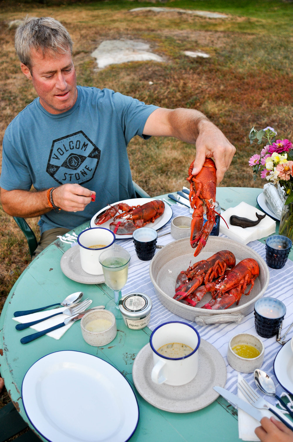lobster-picnic-york-beach-maine