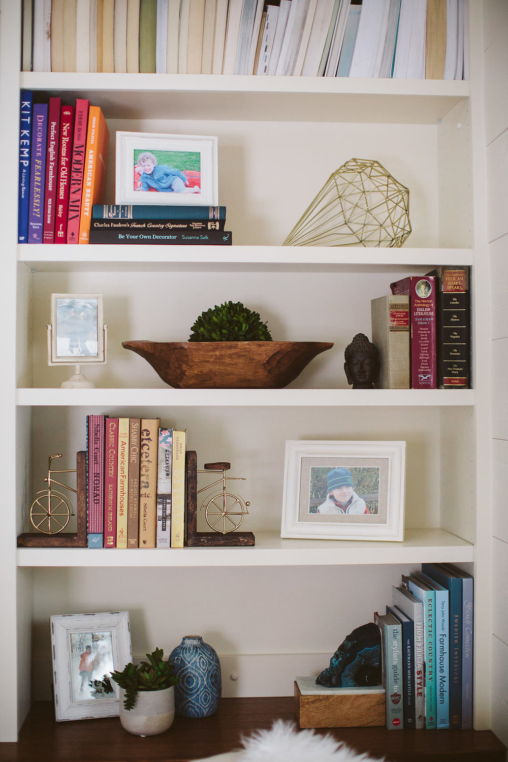 styled-bookshelf-interior-designer-new-york