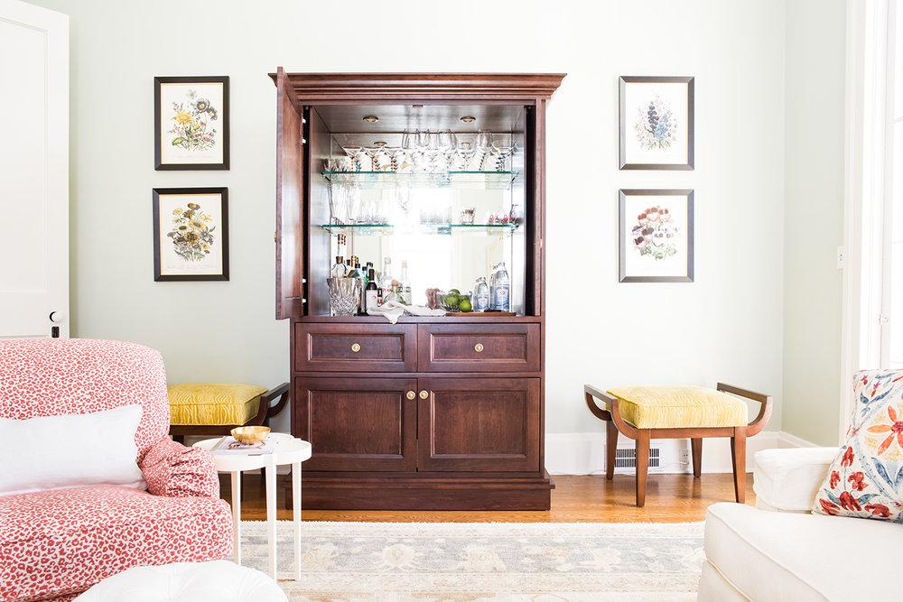 wine-liquor-cabinet