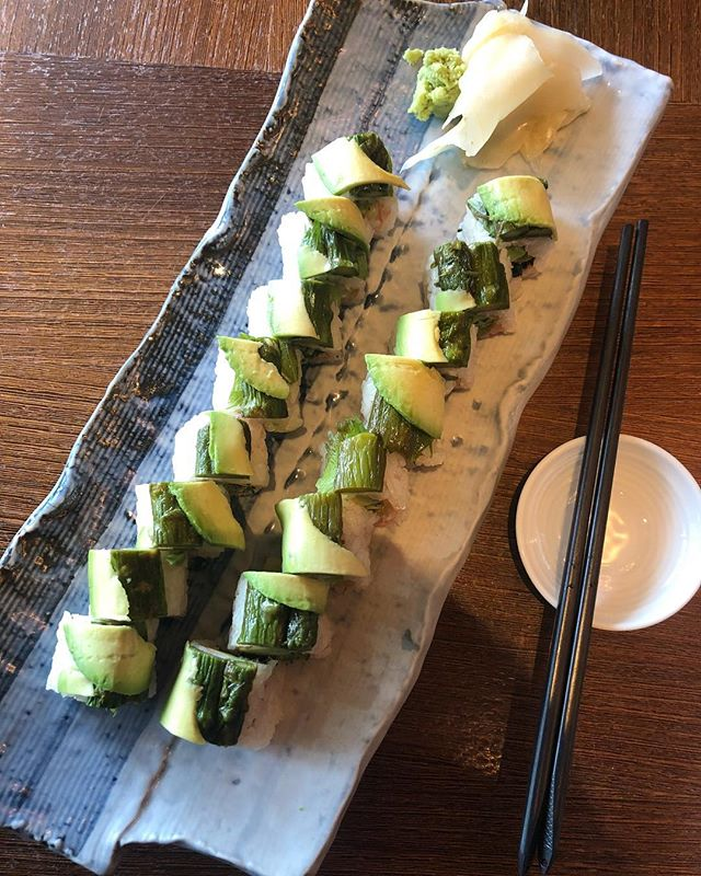 VEGGIE ROLL.  With all The flavors of sushi; nori, wasabi, and pickled ginger, I don't miss the fish at all! @nomichicago  #lunch #family #healthy #vegan #plantbased #food #vegansushi #animalwelfare #savetheplanet