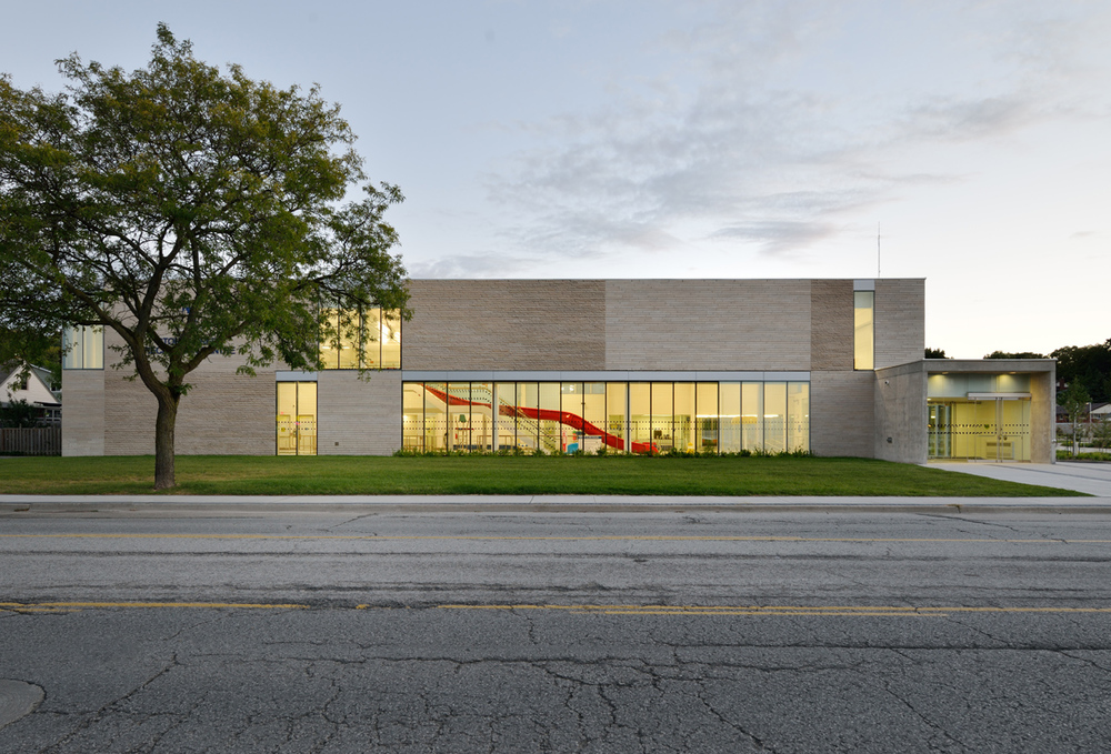 Stoney Creek Recreation Centre Exterior 01
