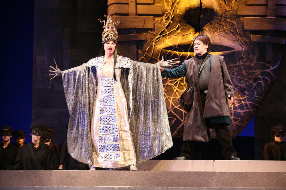 Vera Wenkert as Turandot