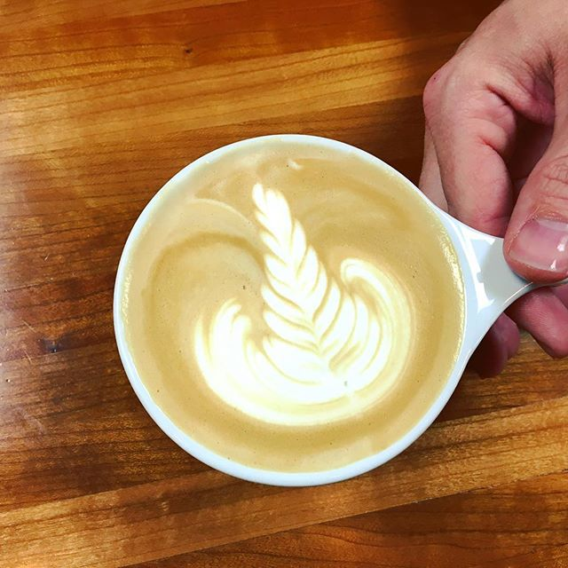 Lucky enough to spend my Saturday night judging the first Latte Art Throwdown @soleil_cafe !!!! 🙋🏼 Such a great night @soleil_cafe Thanks for having me! #latteart #throwdown #soleilcafe #saturdaynight