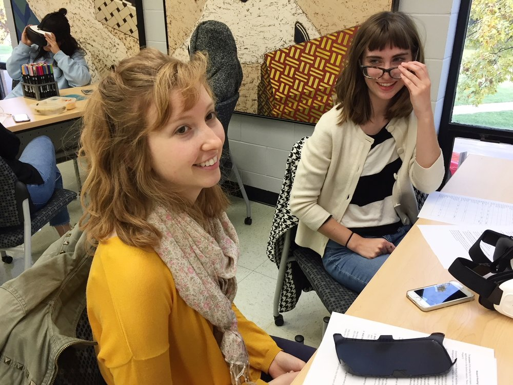TMFD students Alison Cloet and Alesha Johnson work on an apparel design project involving virtual reality.